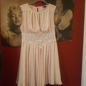GORGEOUS  pale pink flowy dress